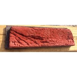 Czerwona cegła z gotową...